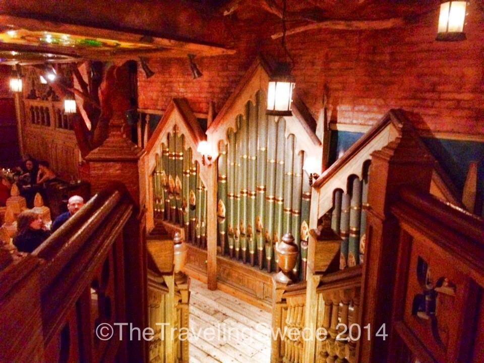 Sometimes you just need to party and play a little pipe organ at a pub.