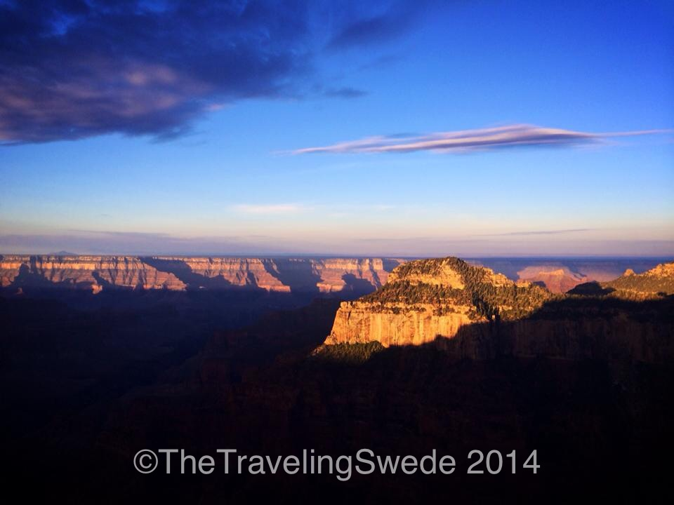 I once again hiked up to the top of Bright Angels Point where the sun was starting to light up the canyon.